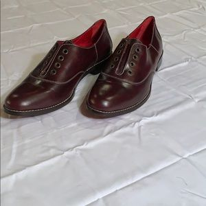 Cole Hann Mahogany Leather Laced Loafers Women